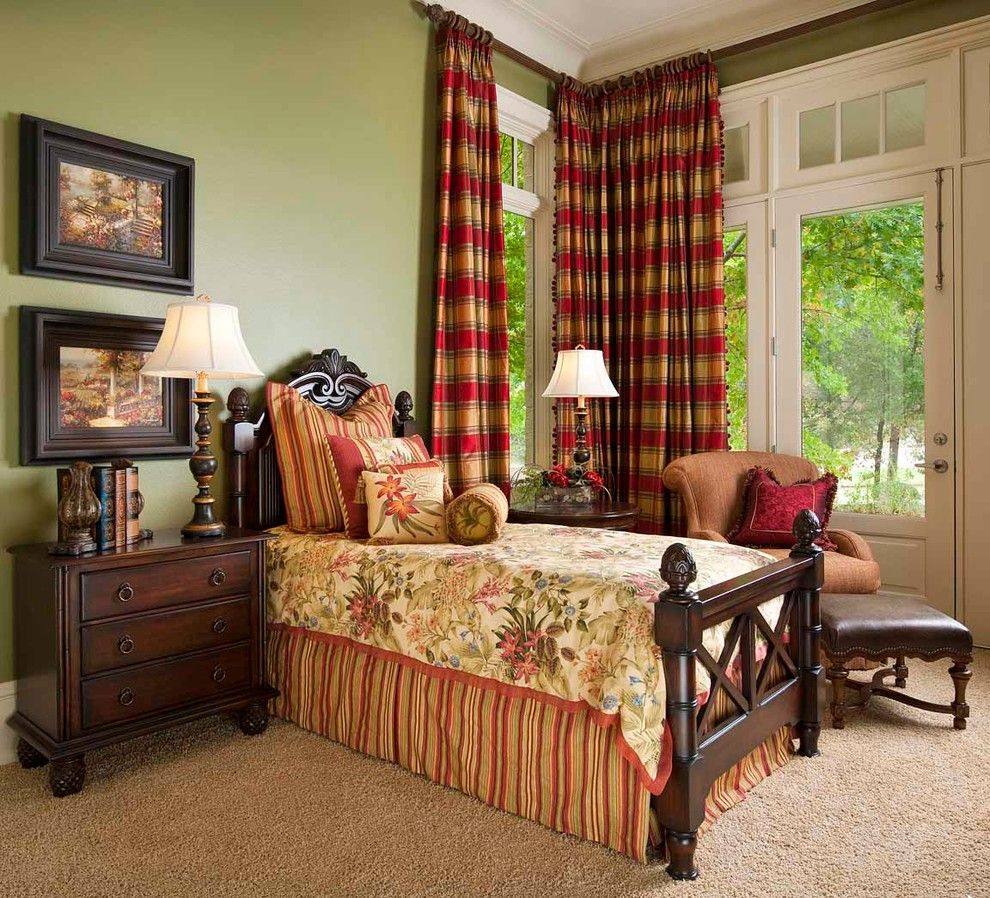 Creative Tips To Turn Your Dull Small Bedroom Into A