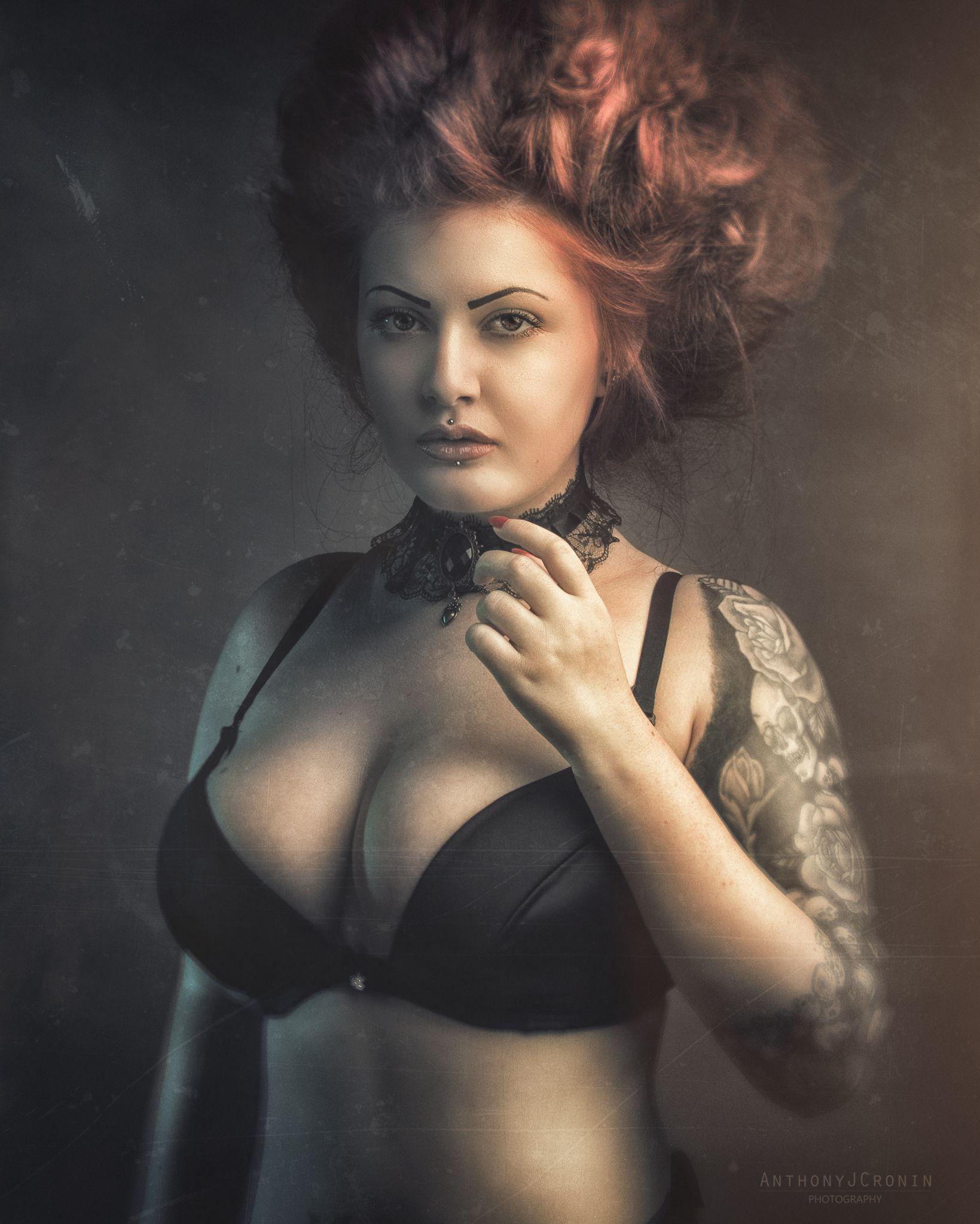 Rose redhead model