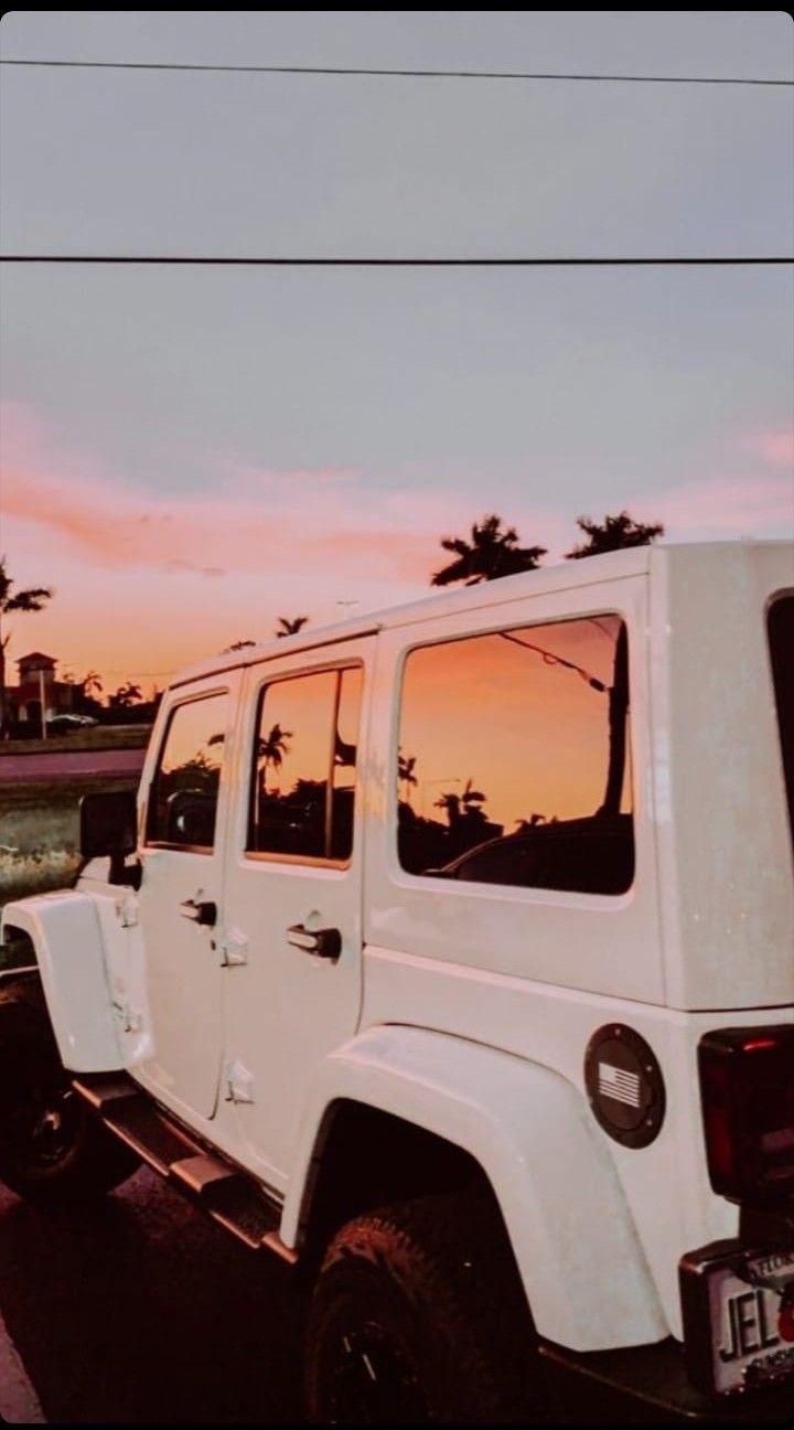 Pin By Laila On Fondos Chetos Dream Cars Jeep White Jeep Jeep Wallpaper