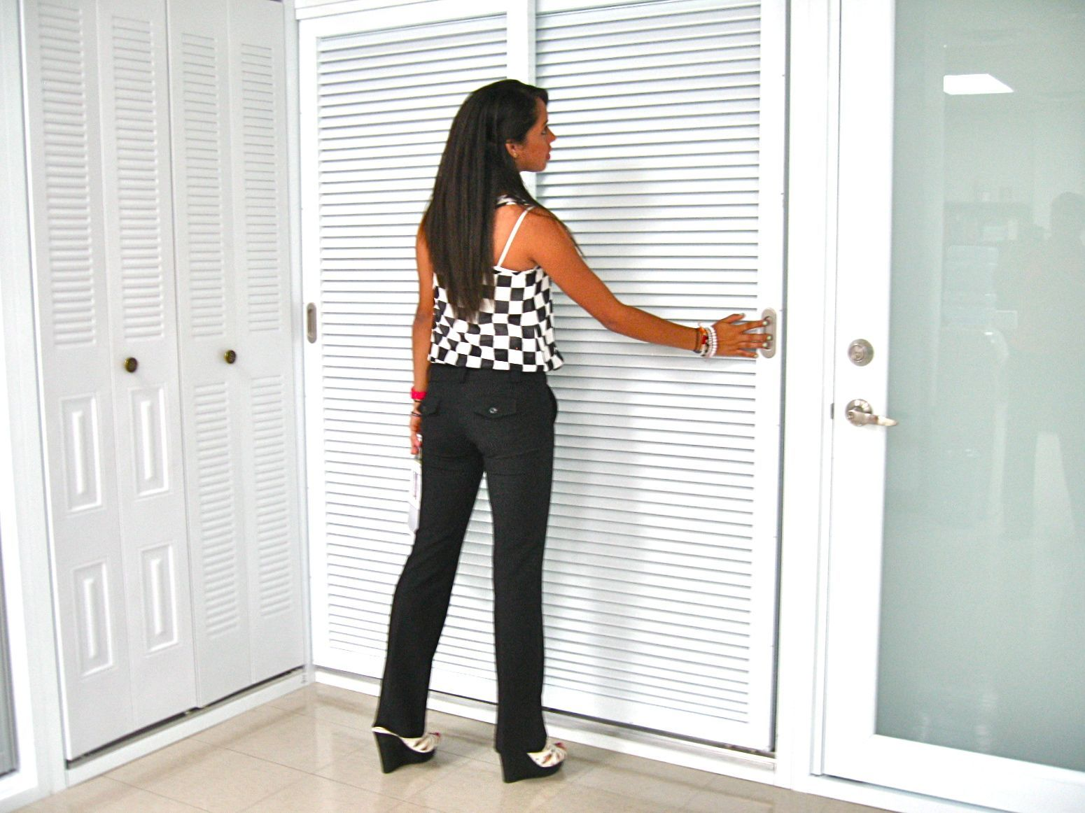 fixed louver sliding closet doors, right. bifold closet doors