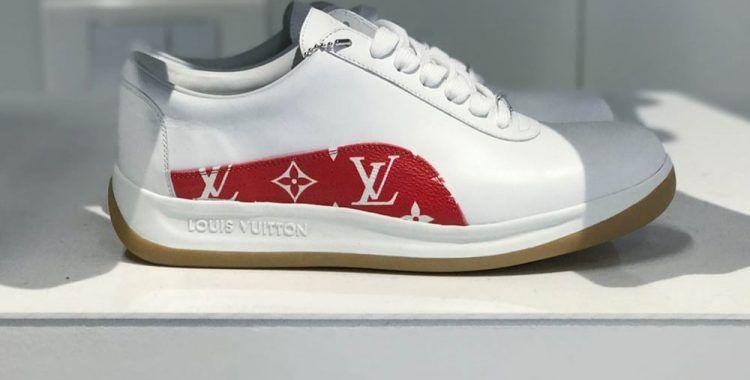 6dde4f153561 Chaussures en cuir blanches de la collaboration Supreme x Louis Vuitton   supreme  louisvuitton  sneakers