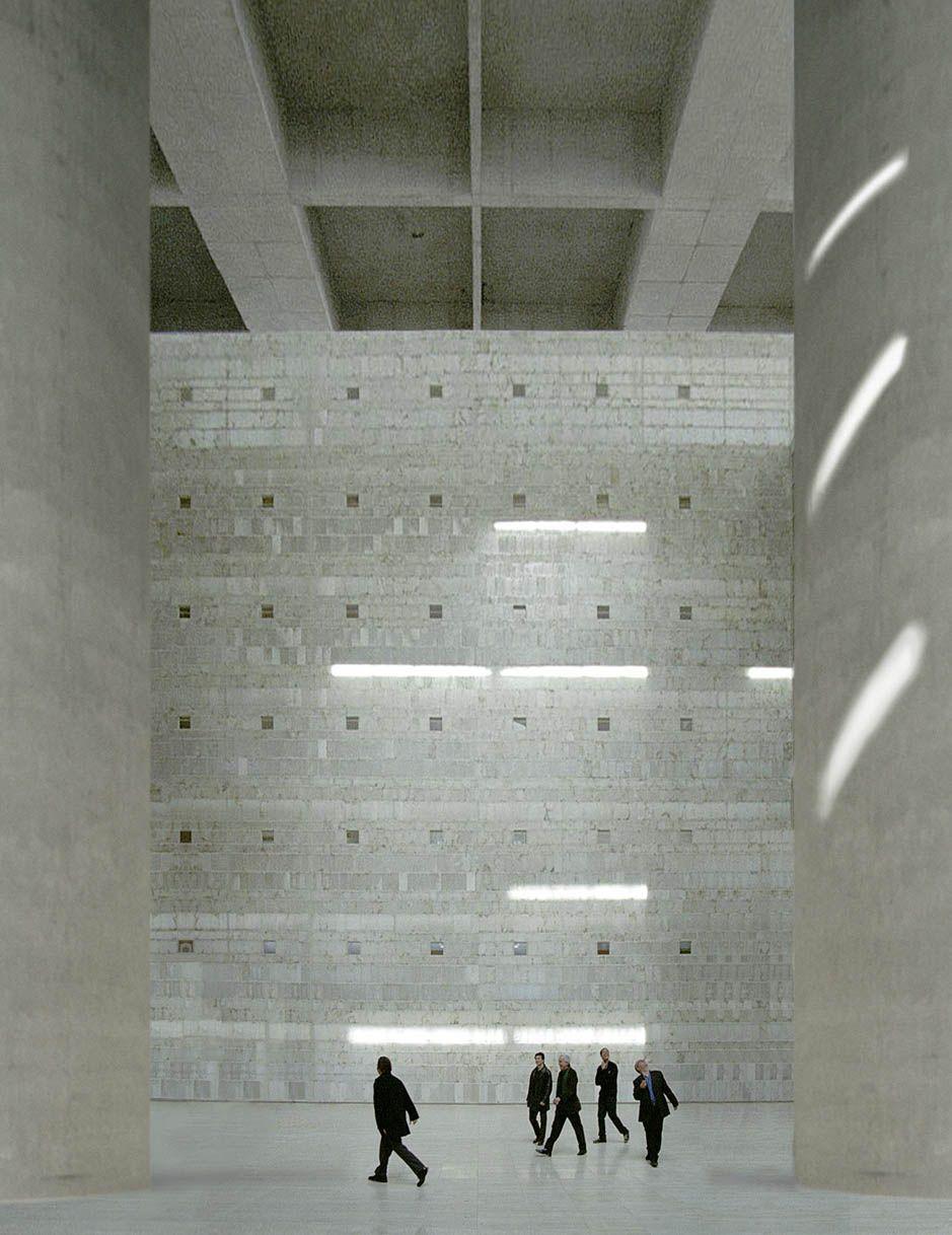 Es granada general savings bank architect alberto campo baeza 2001 architecture light - Campo baeza caja granada ...