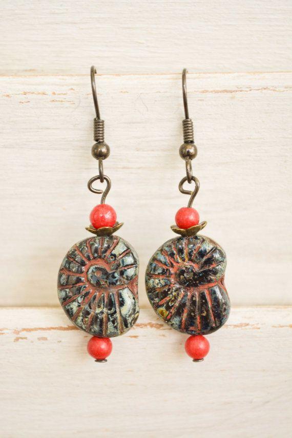 Beach inspired earrings  Black snail shell bead by BitByABead, $16.00