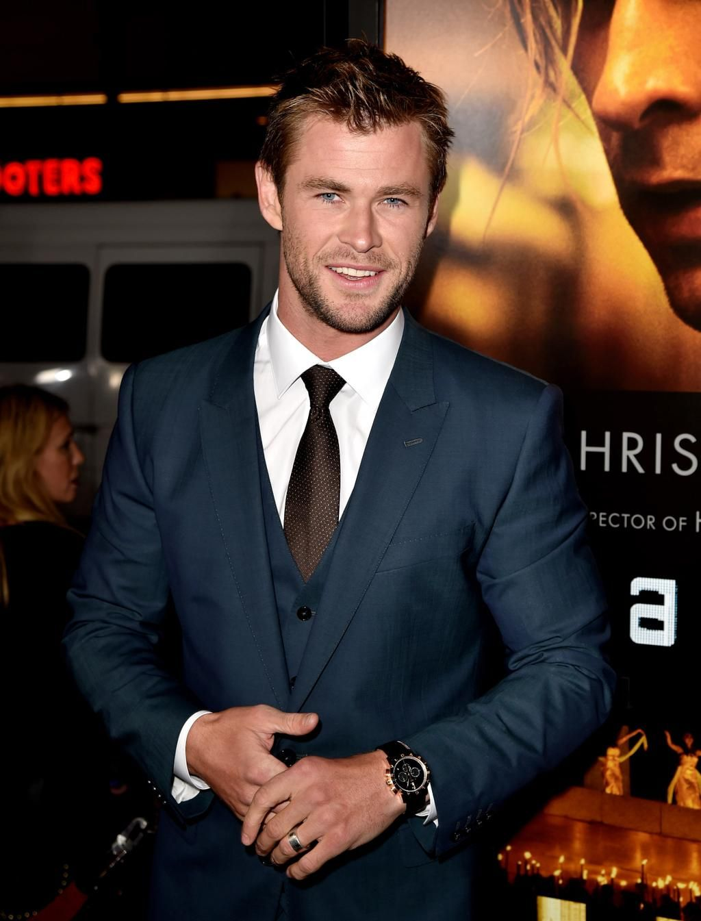 Let's celebrate #ChrisHemsworth joining Twitter w/ some ridiculously hot pics, yes? http://ahwd.tv/KXl3Ek #Access