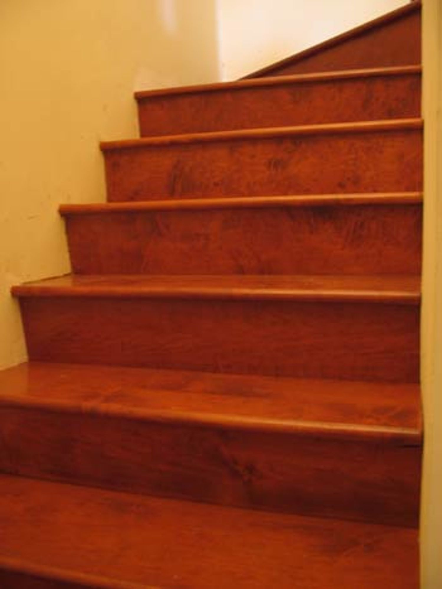 Best Good Question How To Make Wood Stairs Less Slippery 400 x 300