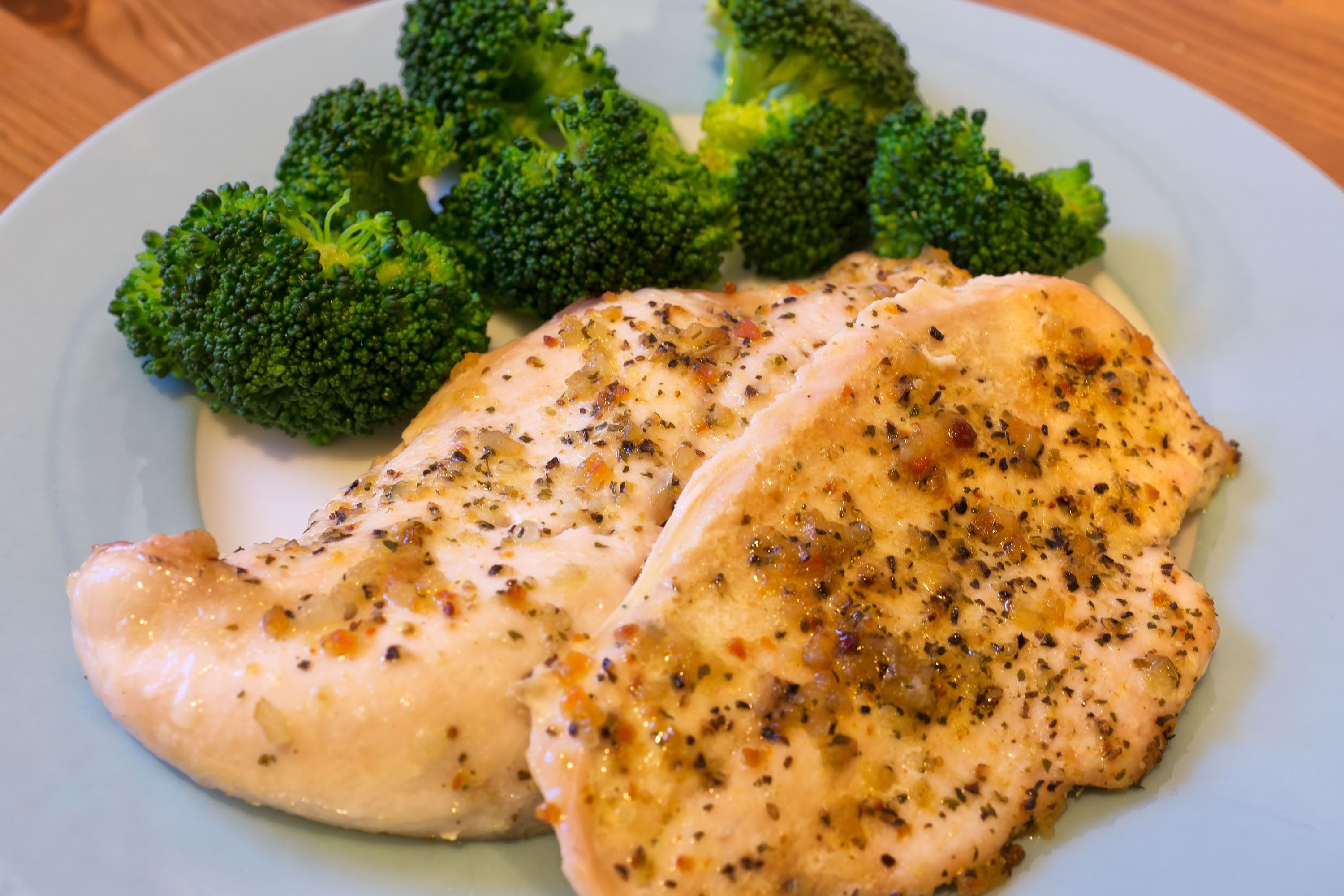 How to Bake Boneless Skinless Chicken Breasts in the Oven and Keep Them Tender