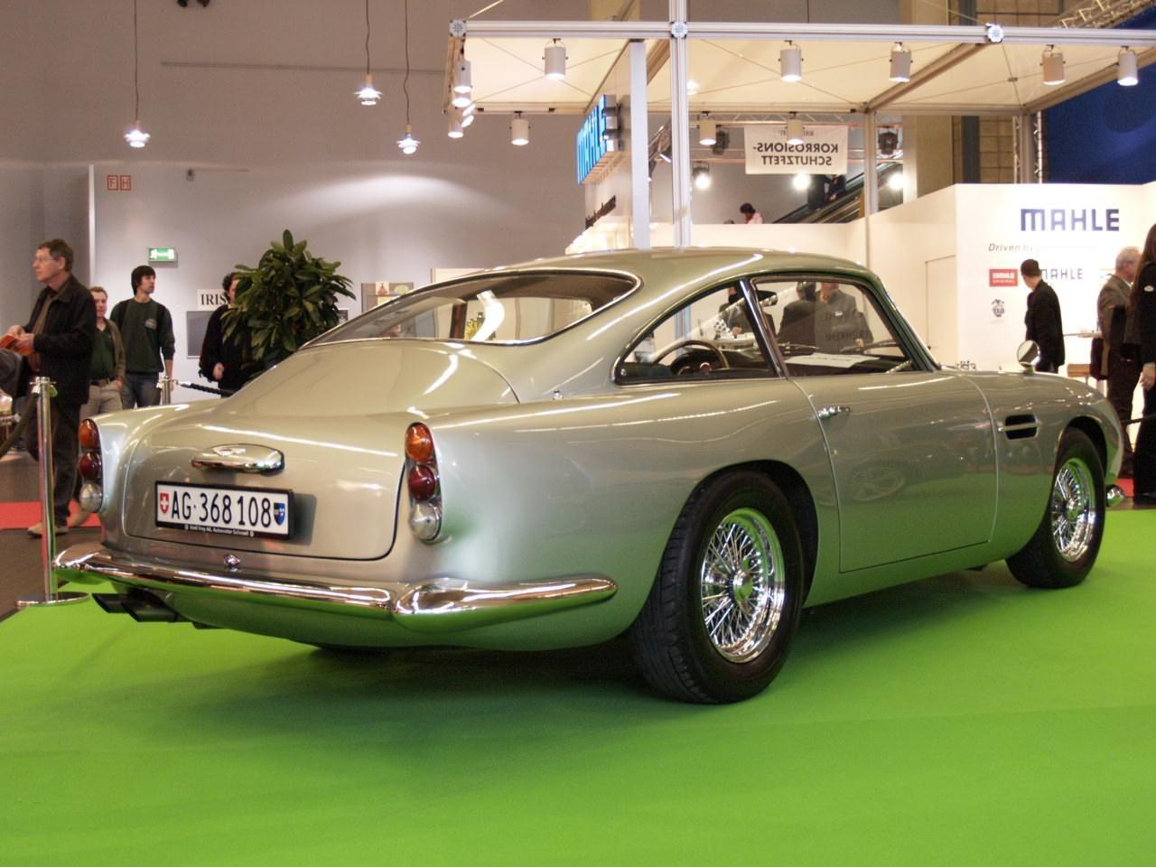 Aston Martin Db5 Das James Bond Auto Schlechthin James Bond Auto Bond Auto Aston Martin Db5
