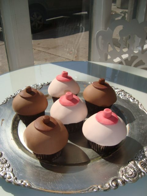 Boob cupcake pans, lisa ann milf mom