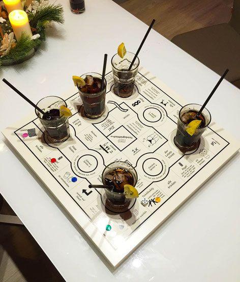 der trinkspieltisch das affenporn seste trinkspiel aller trinkspiele ideen pinterest. Black Bedroom Furniture Sets. Home Design Ideas