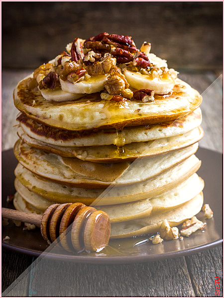 Gesunde Haferflocken-Pancakes mit Bananen  Wunderweib Gesunde Haferflocken-Pancakes mit Bananen  Wun...