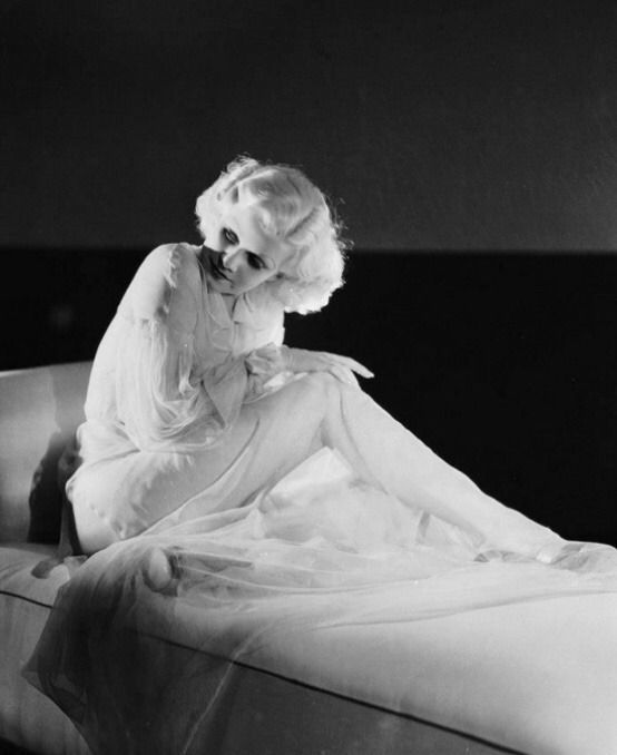Golden Age Hollywood — Jean Harlow #hollywoodgoldenage Golden Age Hollywood — Jean Harlow #hollywoodgoldenage