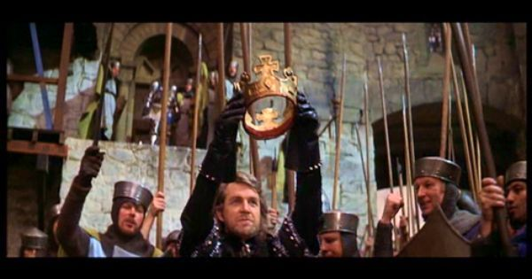 macbeth vs scotland pa Perhaps the weirdest version is scotland, pa, which sets the story in 1970s america and makes macbeth a scheming fast food employee trying to take over his boss' restaurant oh, and christopher walken plays macduff.