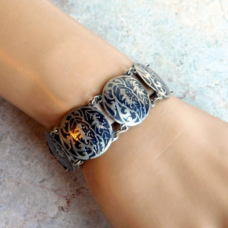 Neat Chunky Vintage Enameled Black and Gold Tone Metal Linked Bracelet