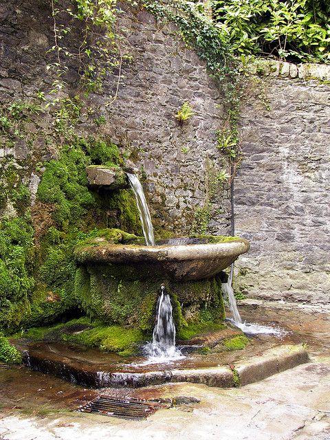 Ireland lismore fountain brunnen - Wasserteich im garten ...