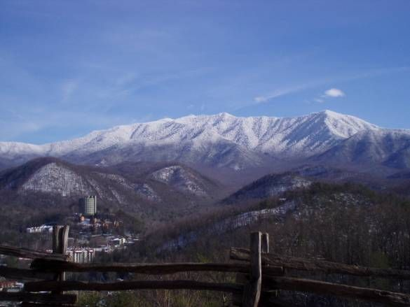 Mount Leconte Its One Of The Highest Peaks From The Abram S Falls Trail You Can Continue Up And East To Rural Cabins Near Gatlinburg Tourist Sites Appalachia