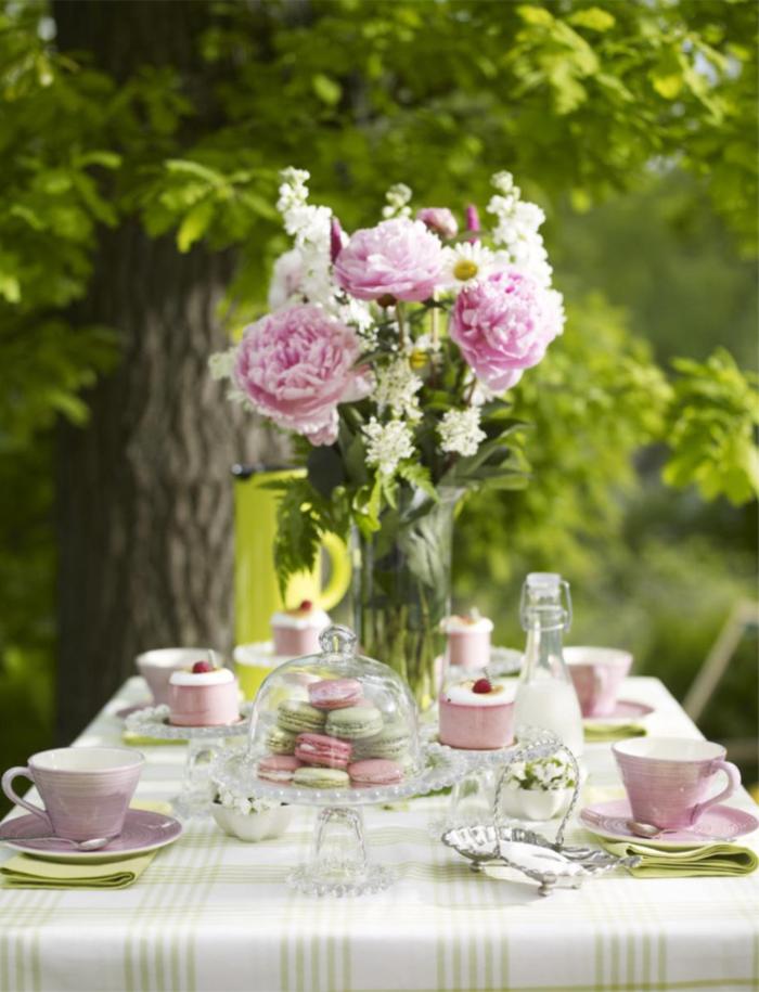 50 Ideen für Tischdeko Gartenparty unter Freunden Beispiele
