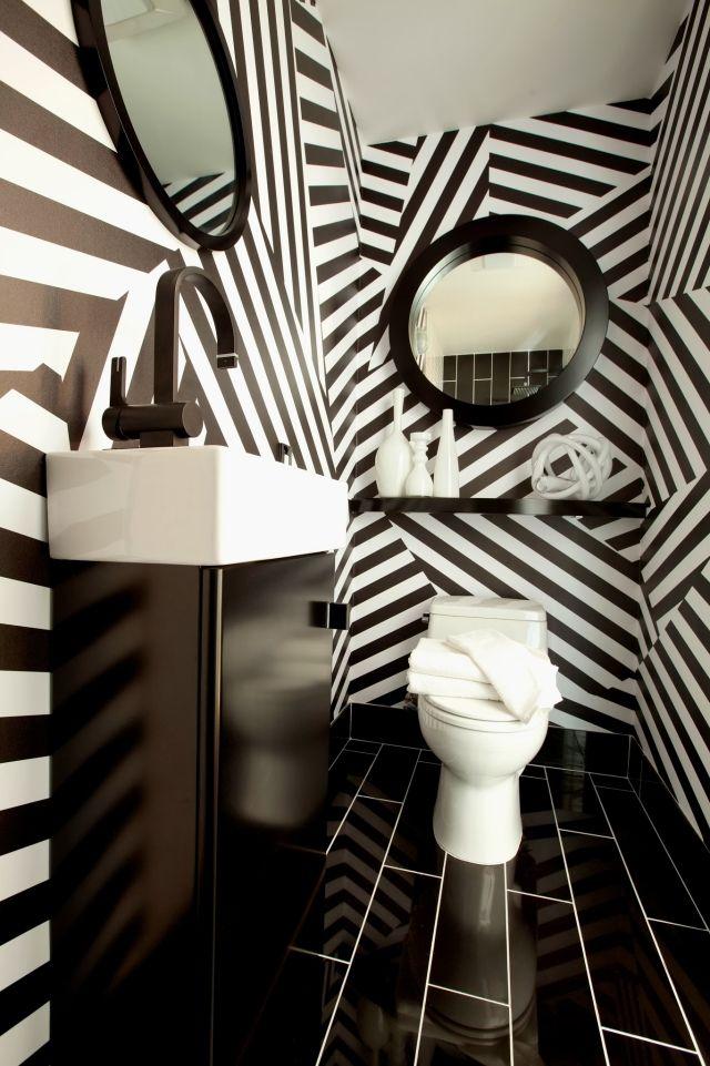 Dramatisches Ambiente dank Fliesen Anordnung-diagonal-schwarz-weiß - schwarz wei fliesen bad