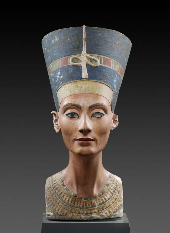 Thutmosis Bust Of Nefertiti Nofretete 1340 B C Echnaton Egypt C Agyptisches Museum Und Papyru Ancient Egyptian Art Ancient Egyptian Artifacts Art History