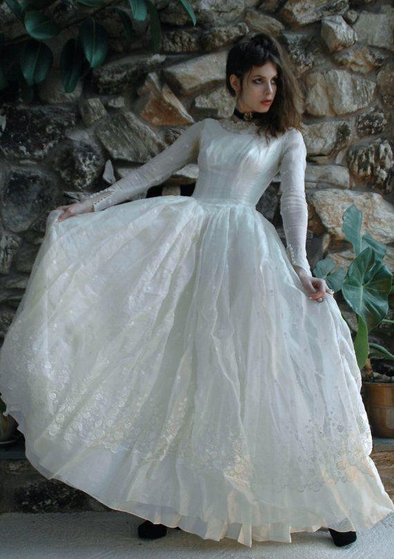 Abito da sposa bianco antico | Vintage wedding dresses | Pinterest ...