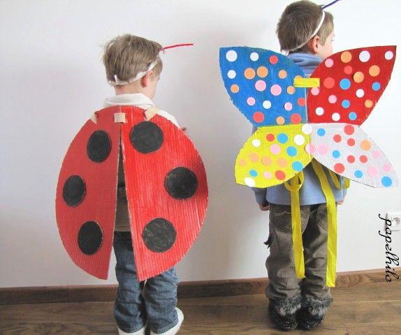 coccinelle et papillon de carnaval avec de simples ailes. Black Bedroom Furniture Sets. Home Design Ideas