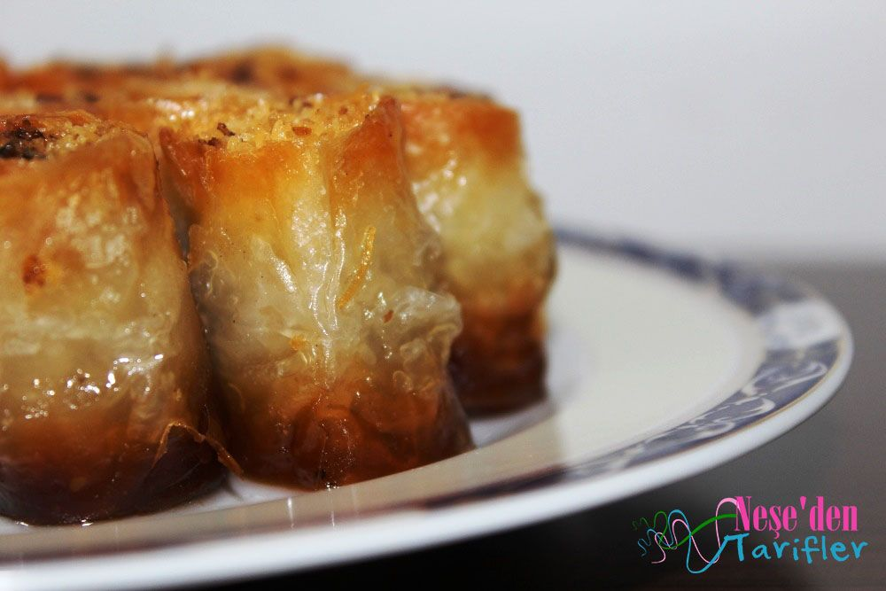 Baklava Yufkasında Cevizli Kadayıf Sarma / Shredded Wheat Wrapping in Baklava Dough with Walnut