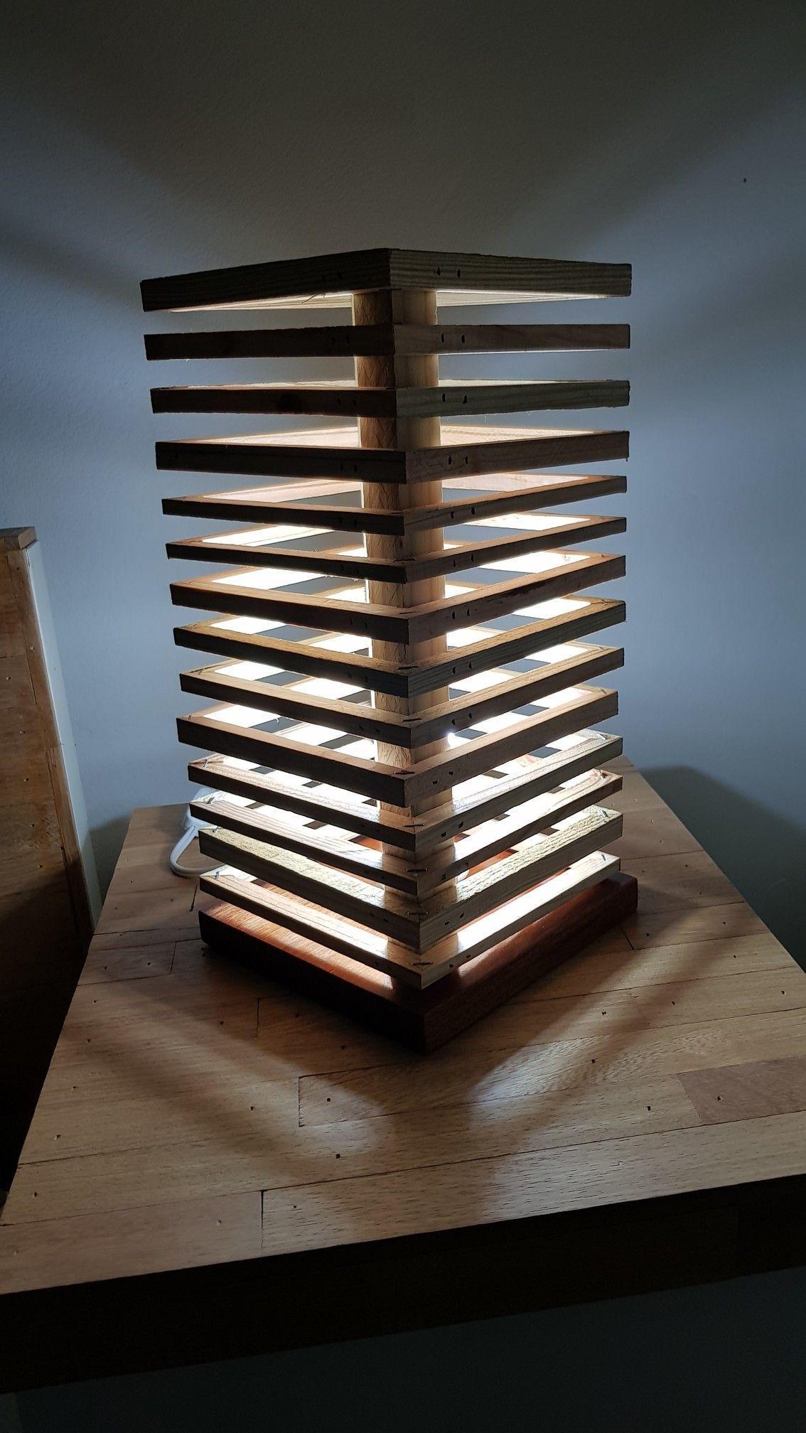 Mi primera lámpara con restos de madera Wooden lamp