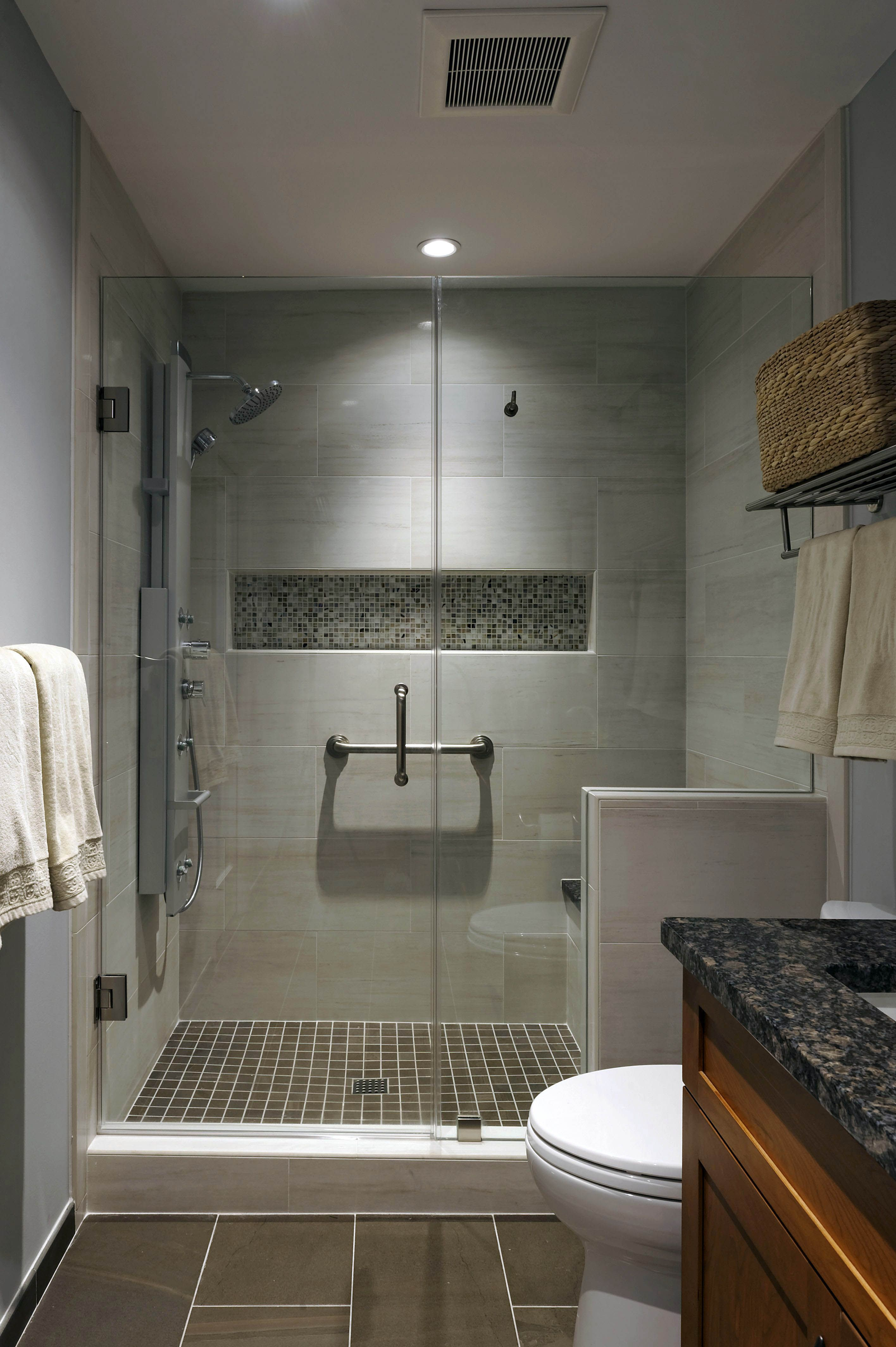 Unbelievable Inexpensive Bathroom Shower Tile Ideas Only In Indoneso Design Brown Tile Bathroom Bathroom Remodel Master Bathroom Remodel Shower