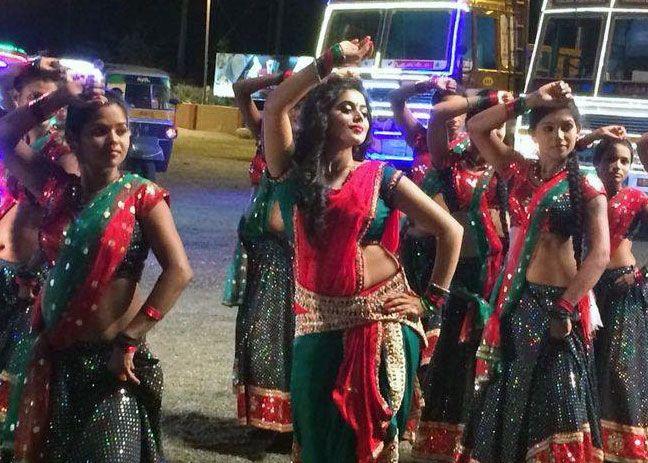 8 top actresses as item dancers in malayalam movies shamna kasim 8 top actresses as item dancers in malayalam movies altavistaventures Choice Image
