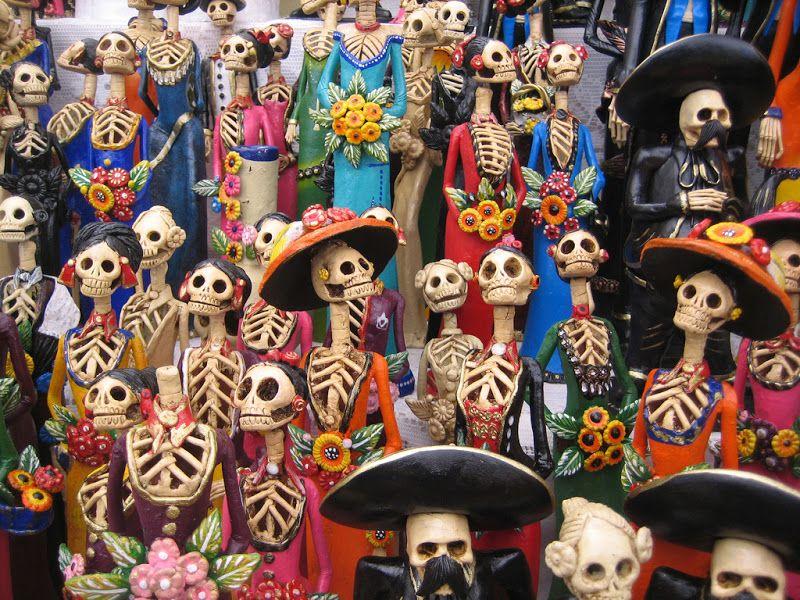 fête des morts et squelettes Calavera Catrina déguisées en habits traditionnels mexicains