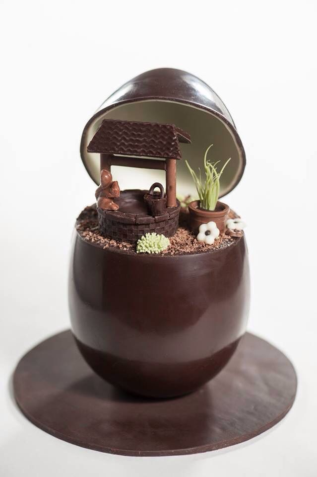 FRENCH CHOCOLATE PANORAMIC EASTER EGG | Food:plating n ...