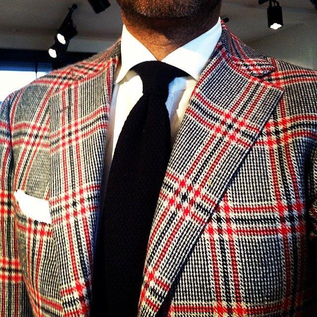 Daniel wearing his favourite cashmere jacket - exclusive Scottish plaid by Cesare Attolini (bij Pauw Mannen)