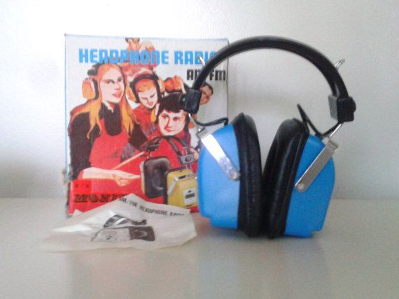 Vinage 1970's Monita blue AM/FM radio headphones, Etsy listing at https://www.etsy.com/listing/277845526/vintage-1970s-monita-large-blue-amfm
