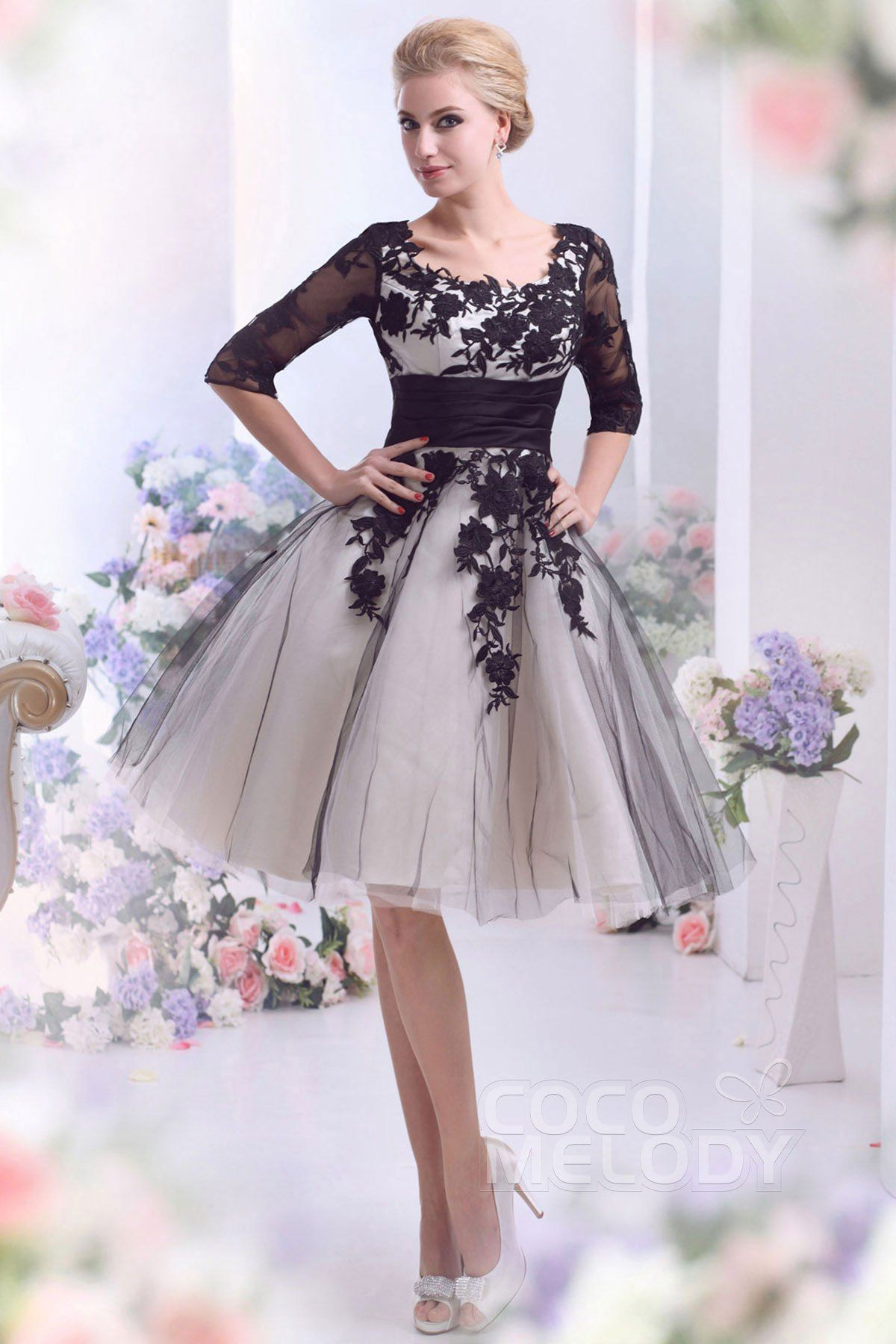 Casual aline square half sleeve knee length tulle wedding dress