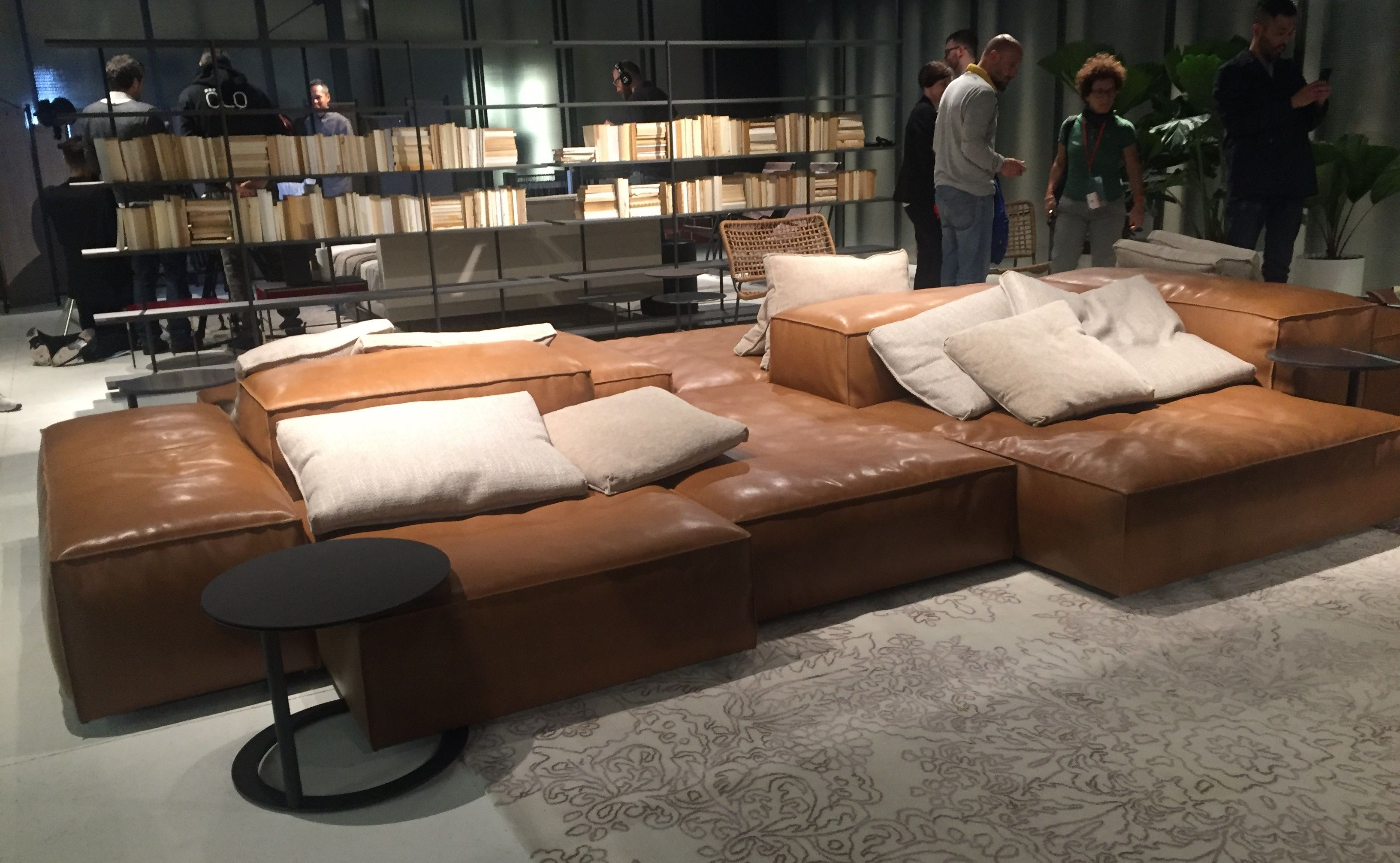 The now iconic seating system by Piero Lissoni for Living Divani ...