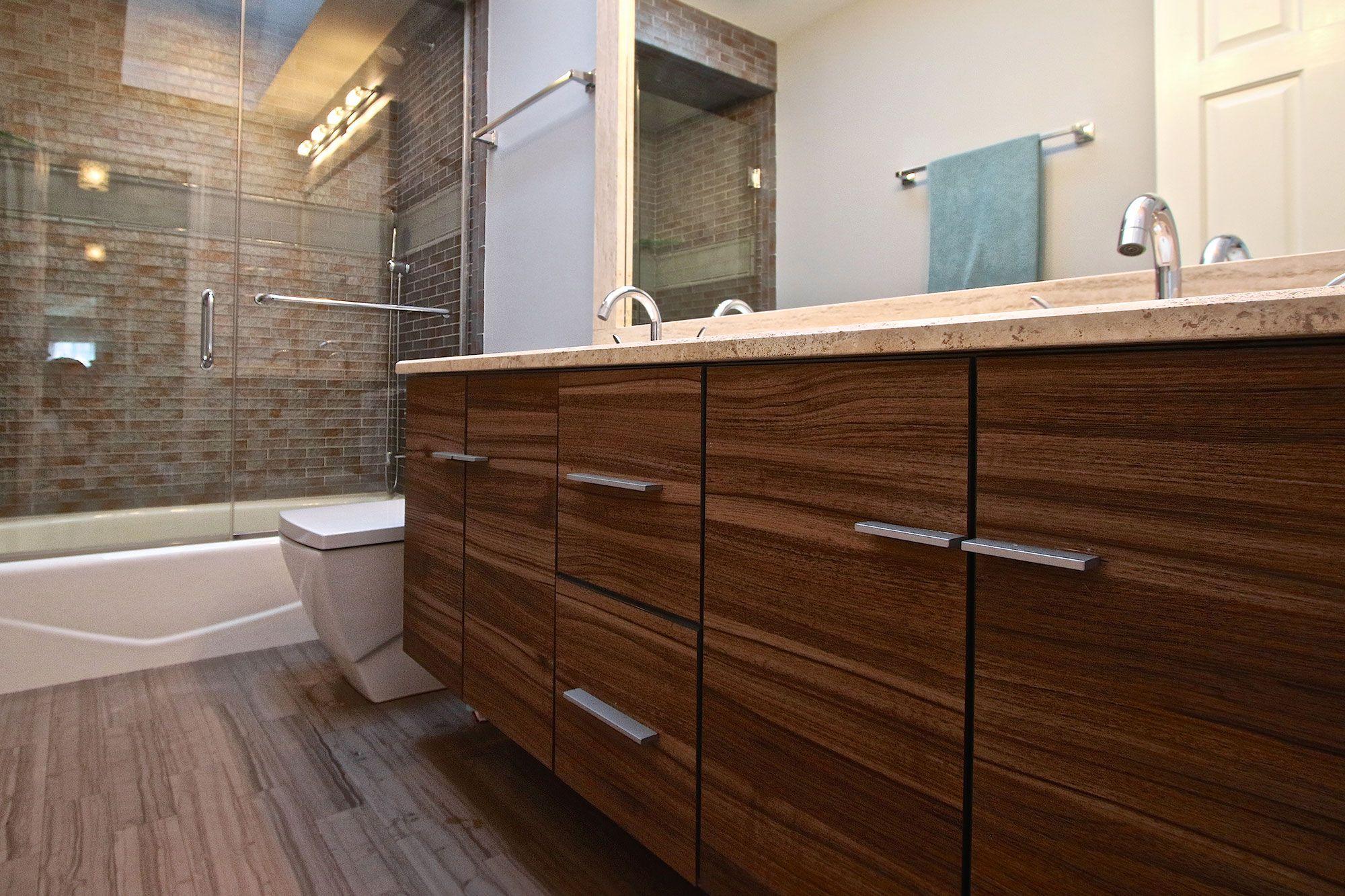Melamine Bath Cabinets Photo Slideshow | Kitchen Cabinets & Bathroom Vanity Cabinets |