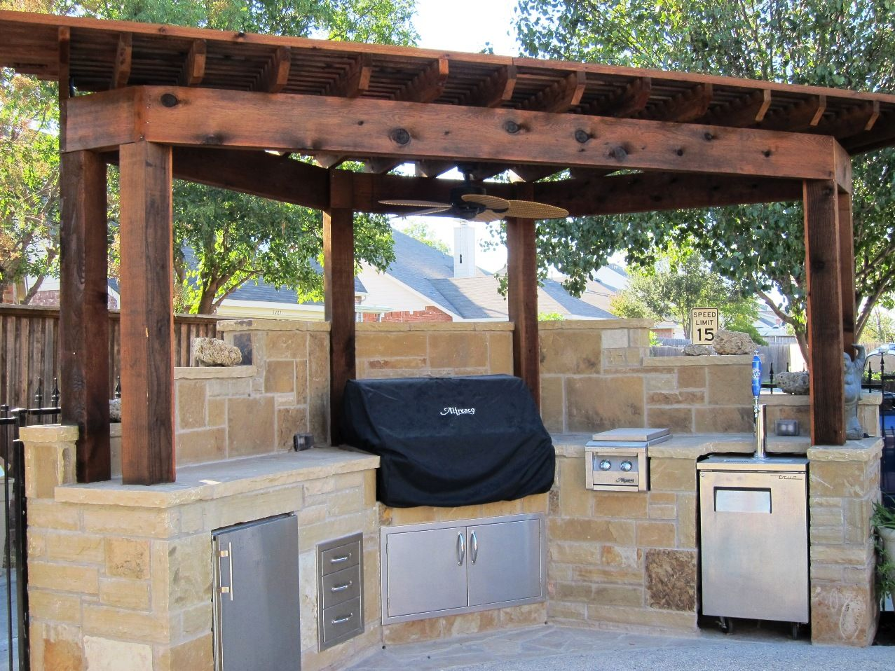 For The Corner Of The Yard Great For Small Area Outdoor Kitchen Countertops Outdoor Barbeque Outdoor Kitchen Design