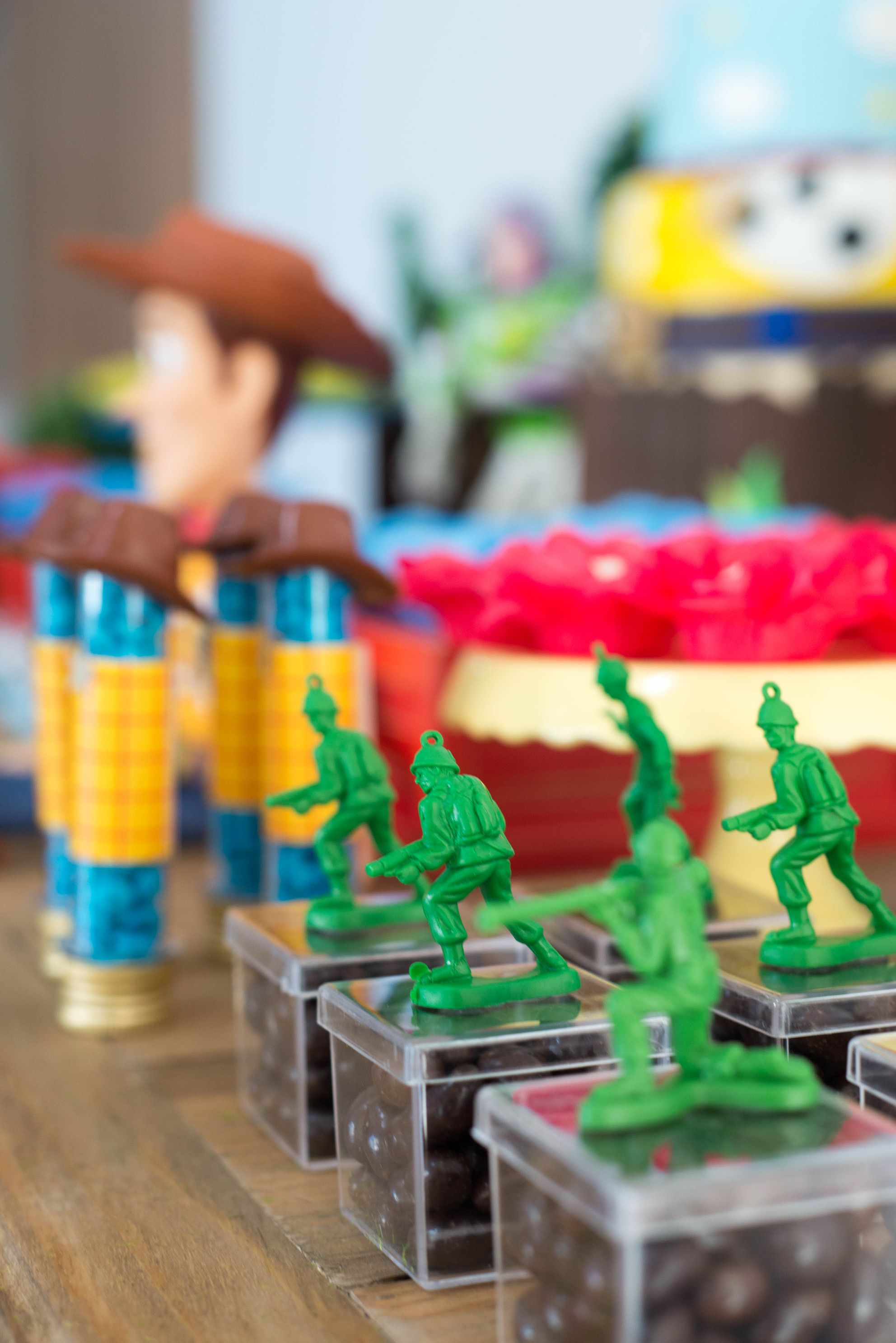 We Can Glue Green Army Men To Everything Decoracao Toy Story
