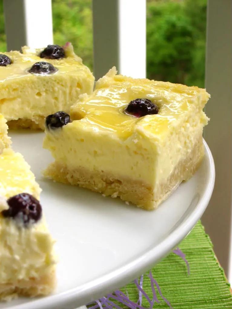 Lemon Blueberry Cheesecake Squares with Shortbread Crust #lemonblueberrycheesecake