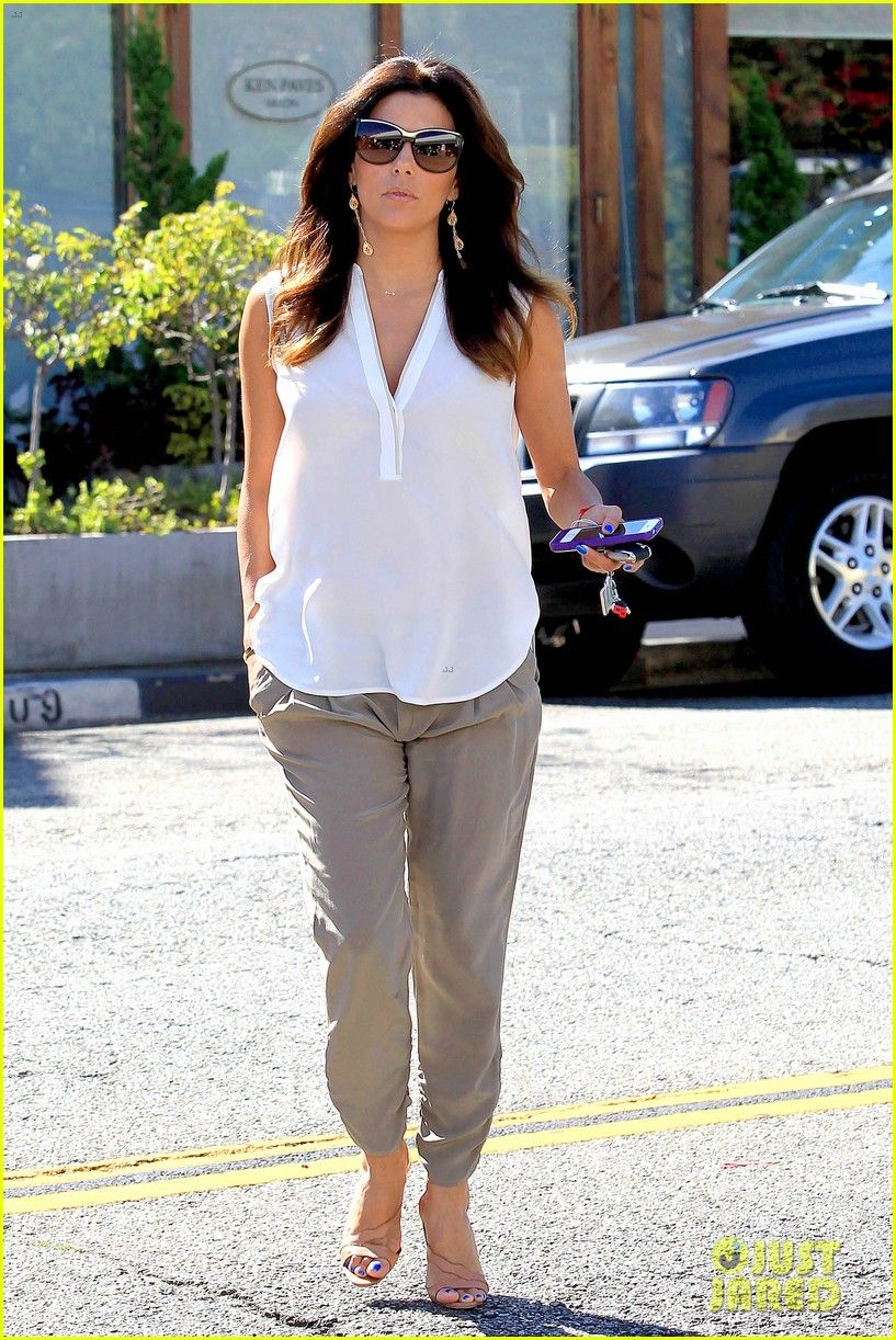 17a2dd378051b Eva Longoria shows off her beautiful hair while exiting Ken Paves salon on  Wednesday (September 17) in West Hollywood