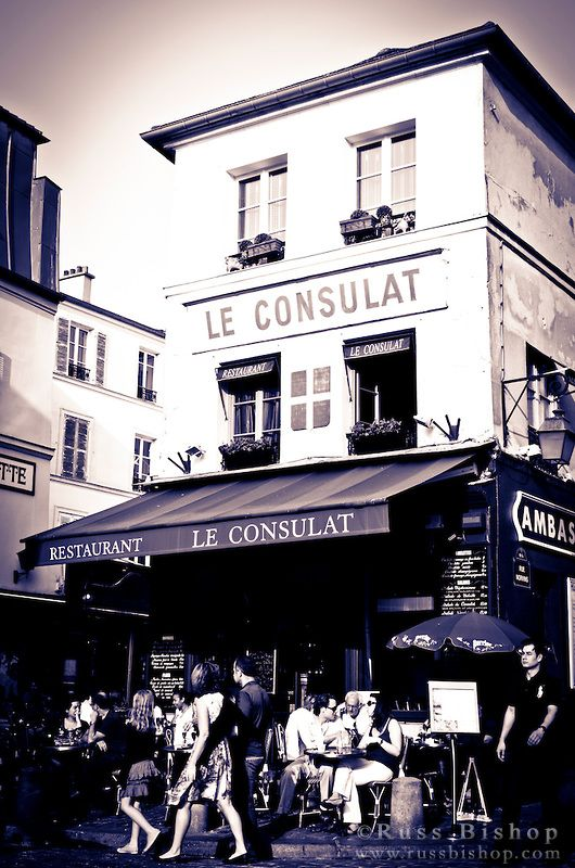 Le Consulat Restaurant, Montmartre, Paris, France / © Russ Bishop ~ Click image to purchase a print or license