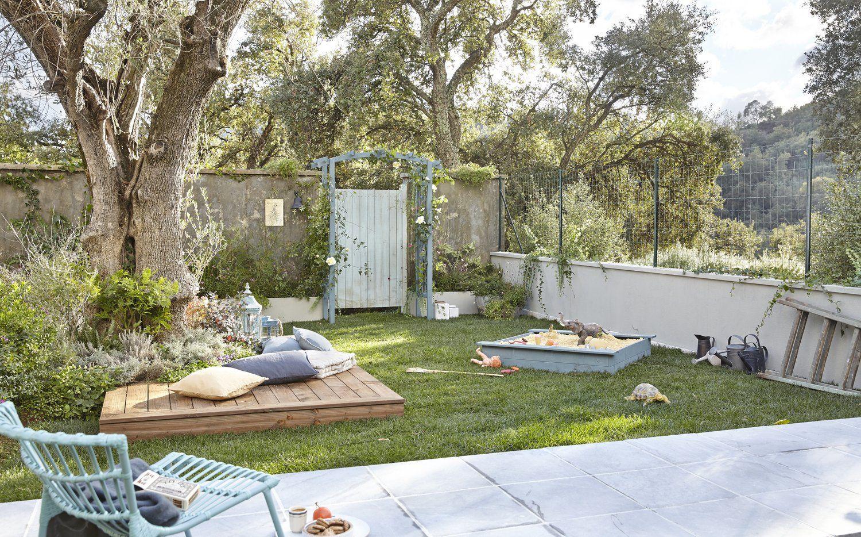 Grillage Muret Et Portillon Pour Protéger Le Jardin Des