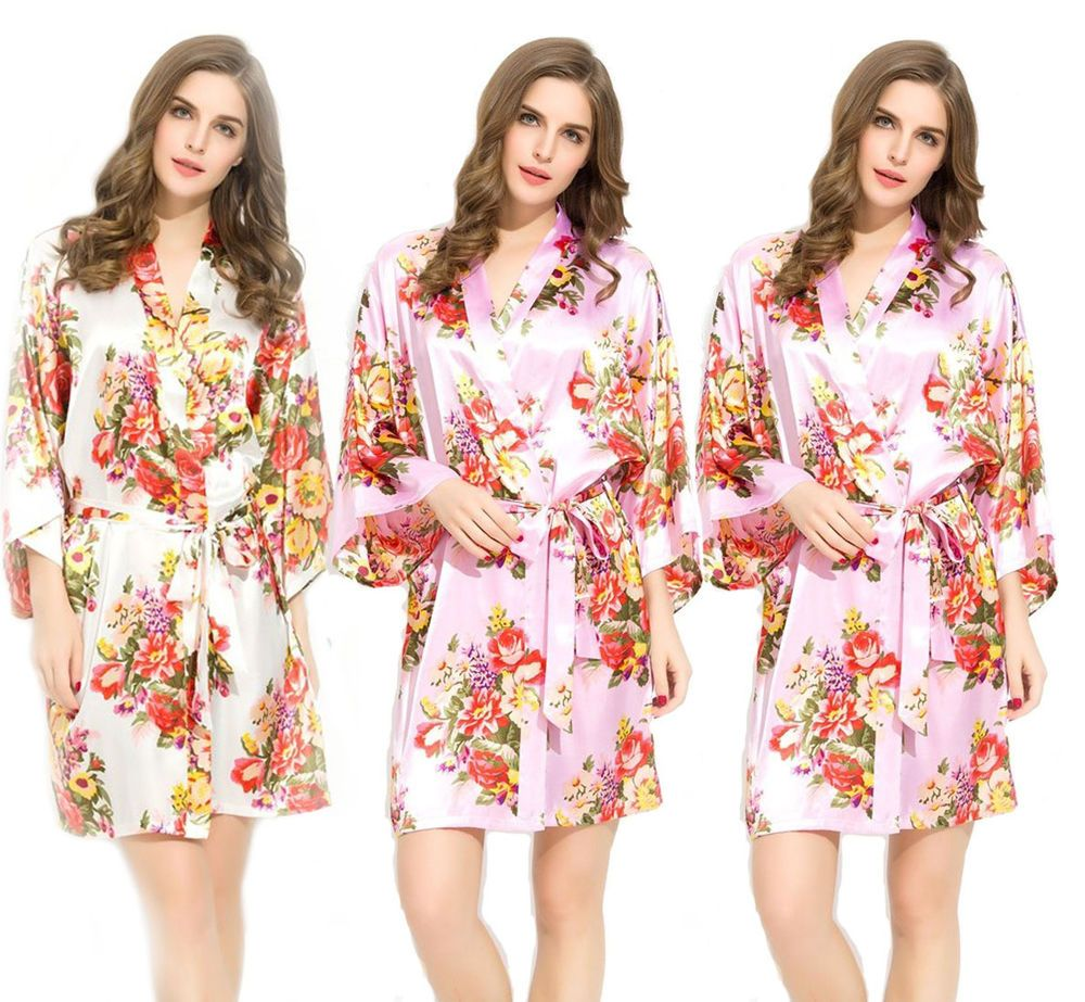 Pink & White Bridesmaid Robes Bridal Party Maid of Honor Gifts ...