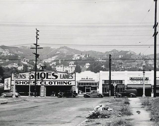 Orlando Ave Looking At Santa Monica Blvd In West Hollywood Photo From The 1940s Los Angeles History Los Angeles Hollywood Los Angeles