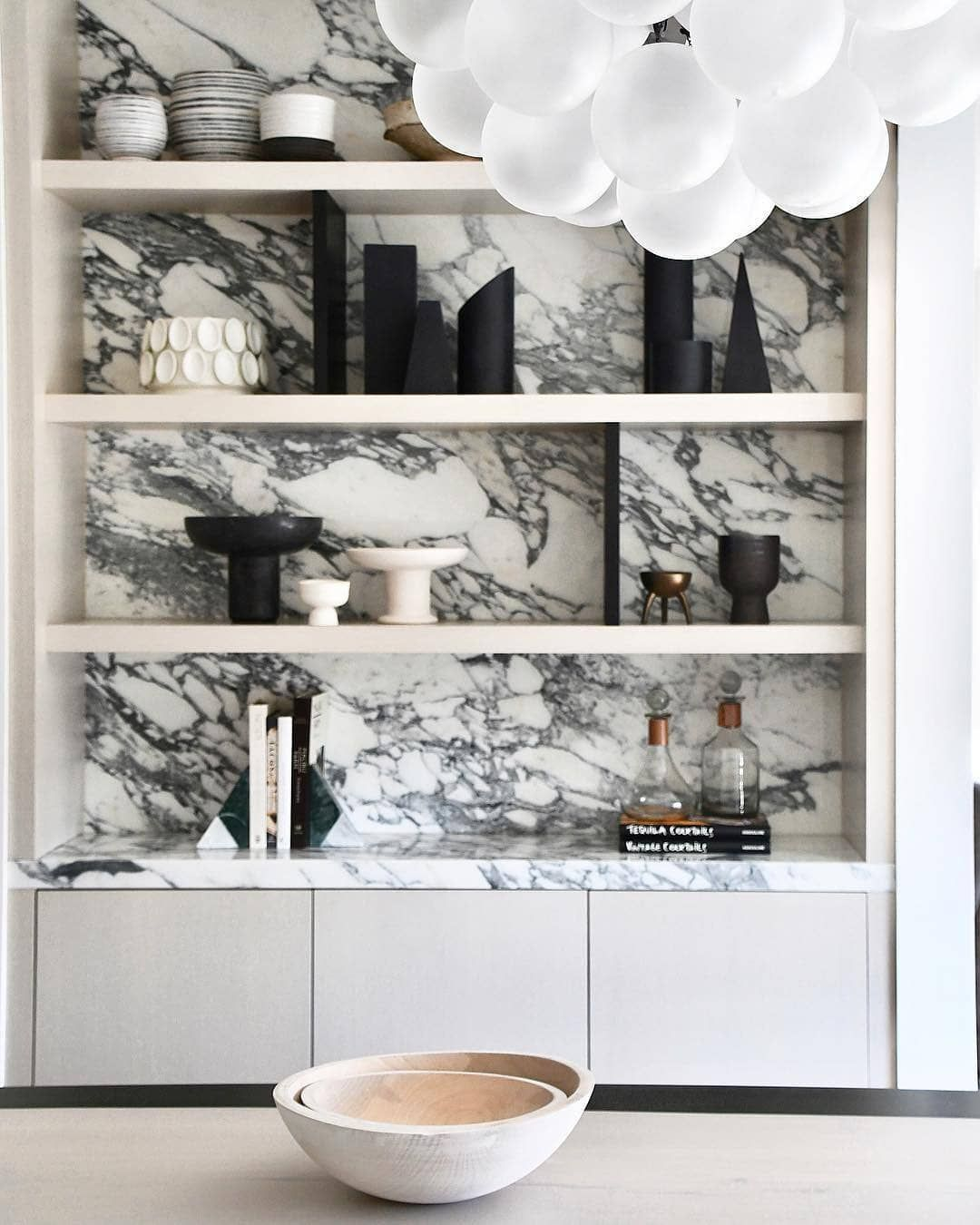 Courtney Schrank Design Studio On Instagram Marble Ous Hello Perfectly Styled Shelves With A Delicious Marbl Contemporary Decor Eclectic Shelving Interior