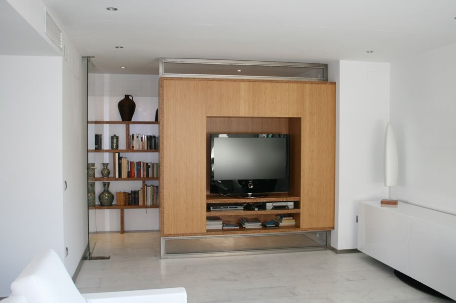 Mueble de televisor a medida realizado con bamb muebles - Muebles de bambu ...