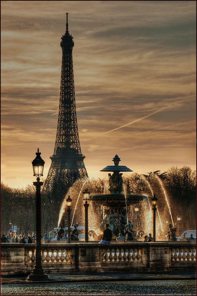 Fontaine Place De La Concorde France Von Yvon Lacaille Rejser Smukke Steder Og Eiffeltarnet