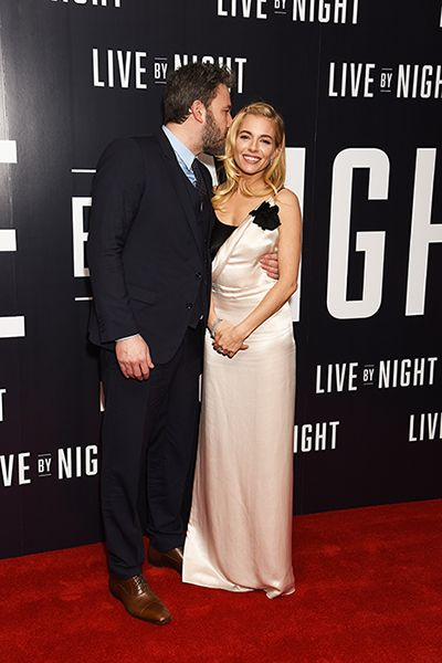 Sienna Miller And Ben Affleck Snuggle Close On The Red Carpet