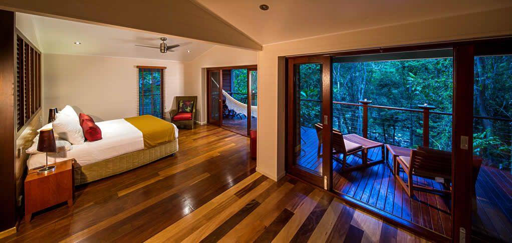 Treehouse Hotel Silky Oaks Lodge : Daintree Accommodations : Eco Lodges : Rainforest Hotels : Luxury Resorts : Mossman Gorge Accommodation : Daintree Spa