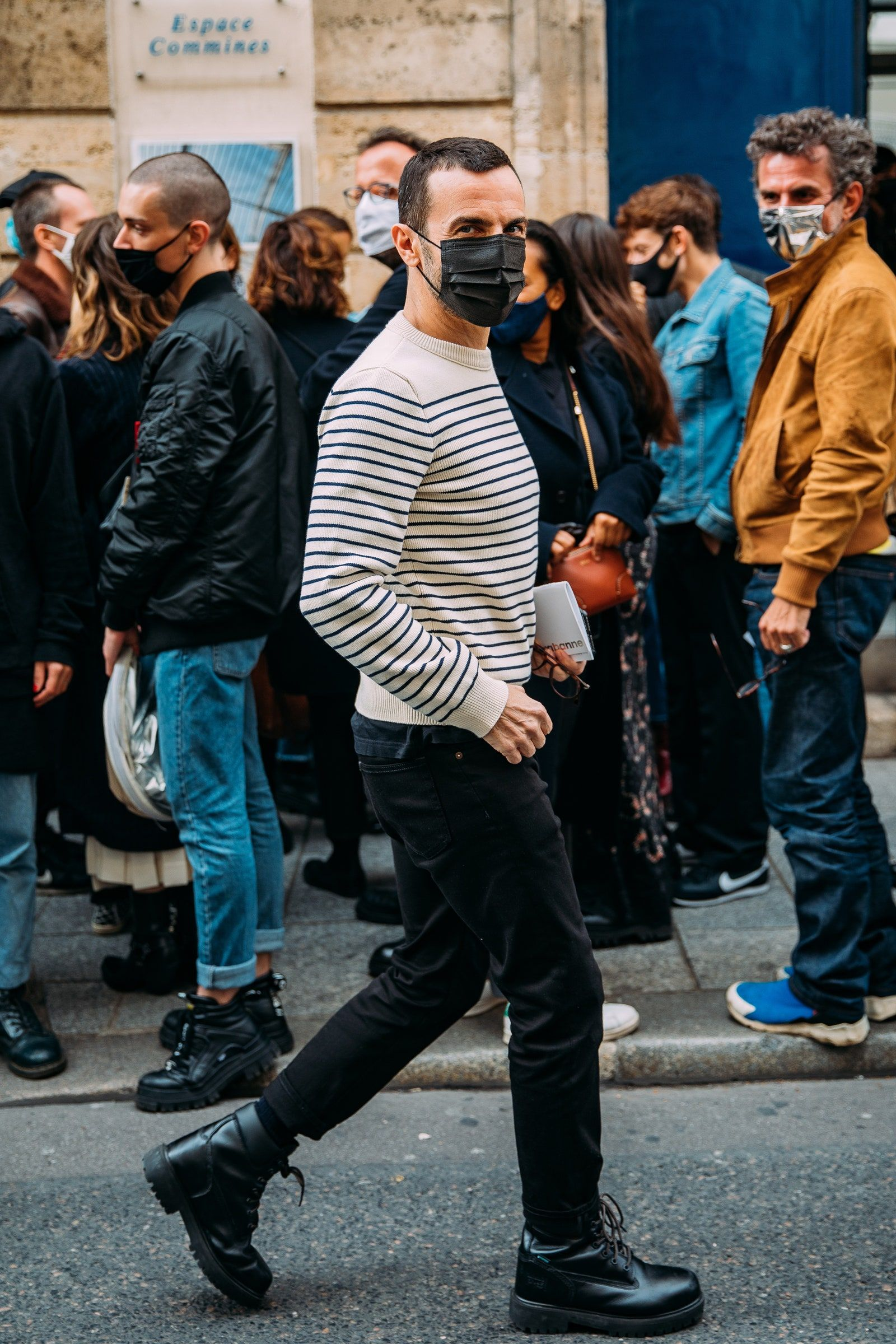 The Best Street Style From Paris Fashion Week Spring 2021 Vogue