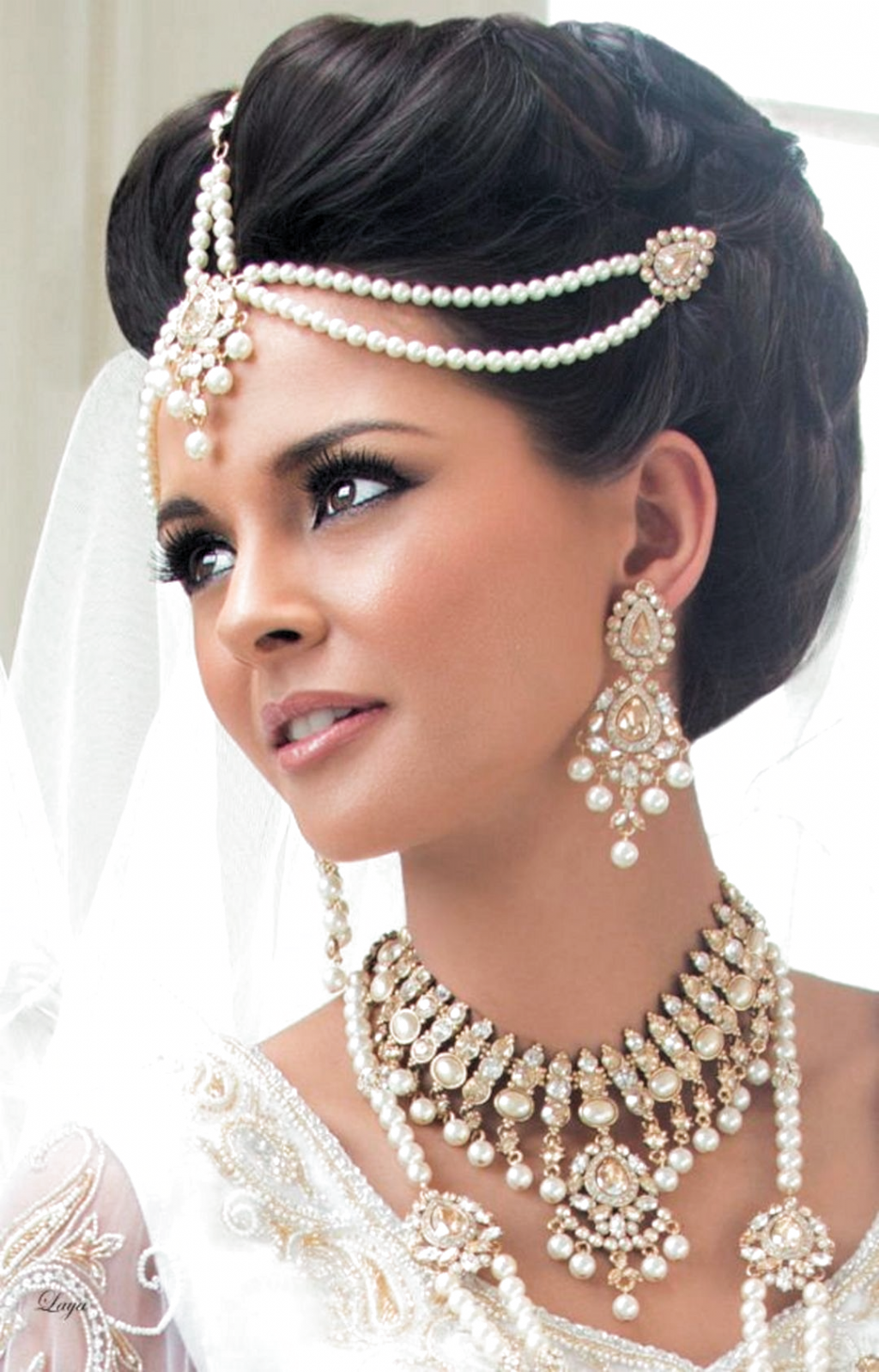 18+ Haute coiffure pour mariage indienne inspiration